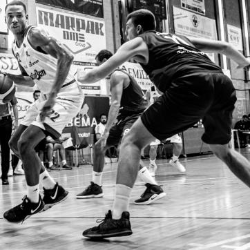 pallacanestro reggiana vs mantova BW-21