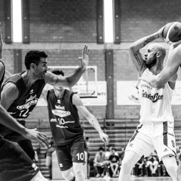 pallacanestro reggiana vs mantova BW-25
