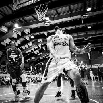 pallacanestro reggiana vs mantova BW-29
