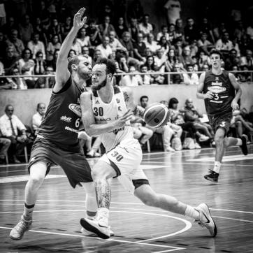 pallacanestro reggiana vs mantova BW-32