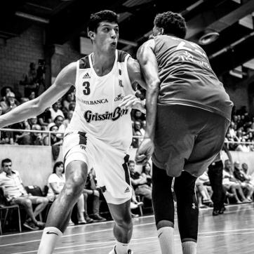 pallacanestro reggiana vs mantova BW-34