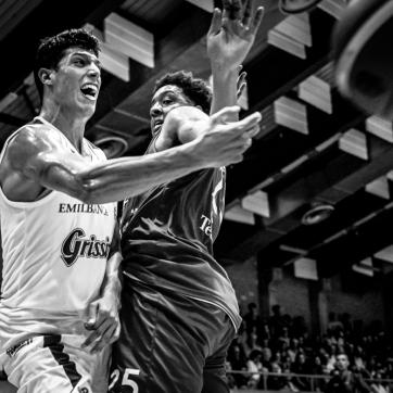 pallacanestro reggiana vs mantova BW-35