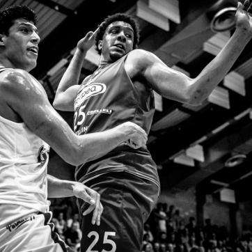 pallacanestro reggiana vs mantova BW-36