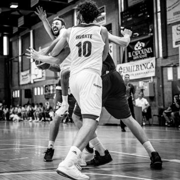 pallacanestro reggiana vs mantova BW-40