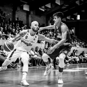 pallacanestro reggiana vs mantova BW-44