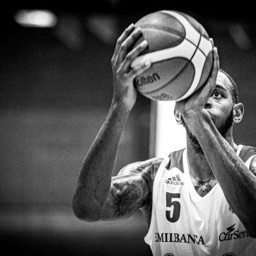 pallacanestro reggiana vs mantova BW-49