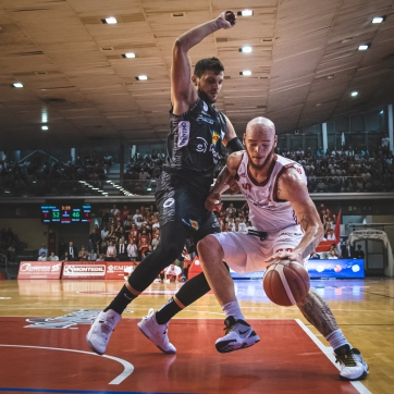 pallacanestro reggiana vs trento silvia casali photography-116