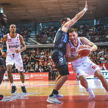 pallacanestro reggiana vs trento silvia casali photography-137
