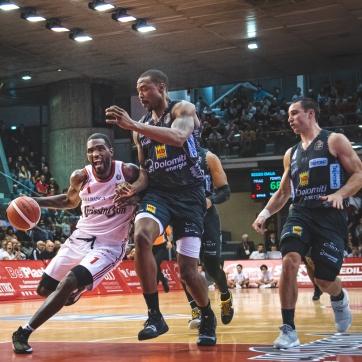 pallacanestro reggiana vs trento silvia casali photography-147