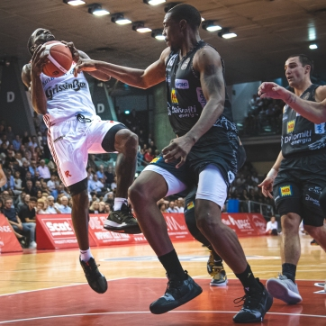 pallacanestro reggiana vs trento silvia casali photography-150