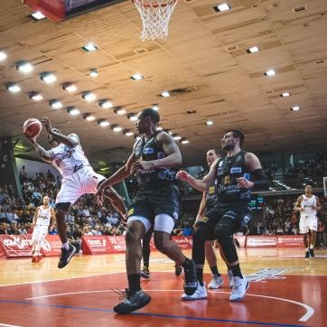 pallacanestro reggiana vs trento silvia casali photography-151