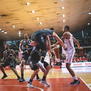 pallacanestro reggiana vs trento silvia casali photography-152