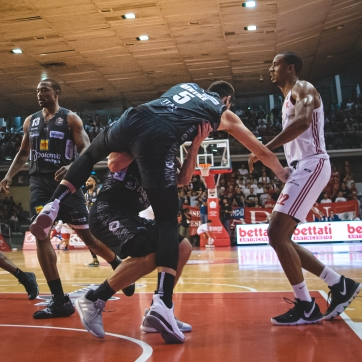 pallacanestro reggiana vs trento silvia casali photography-153