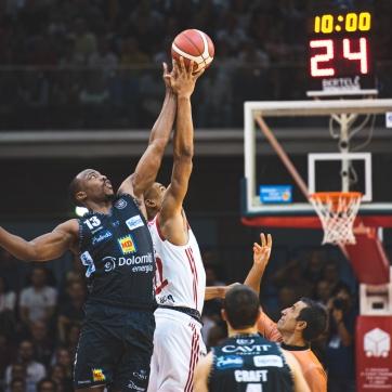pallacanestro reggiana vs trento silvia casali photography-33