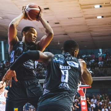 pallacanestro reggiana vs trento silvia casali photography-48