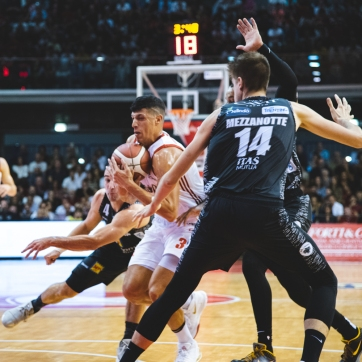 pallacanestro reggiana vs trento silvia casali photography-52