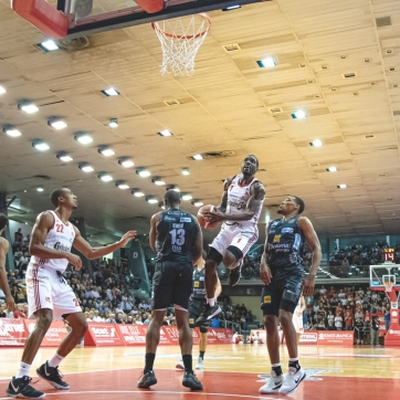 pallacanestro reggiana vs trento silvia casali photography-91